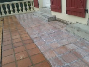 Dallage et chape www for Peinture renovation carrelage sol v