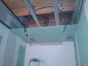 Pose lambris pvc en plafond - Pose lambris pvc douche ...