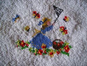 broderie serviette invit-s chasse au papillonblubella 2802