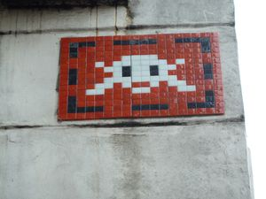 Space-Invader-Rue-du-Chat-qui-Peche.JPG