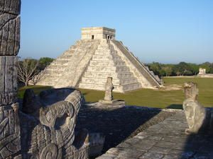 ChichenItza01.jpg