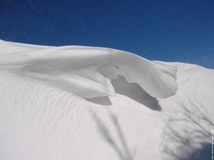 congere-ciel-bleu-neige.jpg