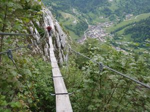 Via ferrata (Roche veyrand) 4