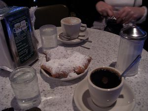 New Orleans cafe beignets (2)