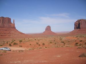 035Monument-Valley-goufres.JPG