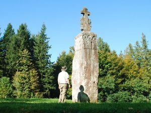 C12 - Meisenthal - la pierre des 12 apotres [1280x768]