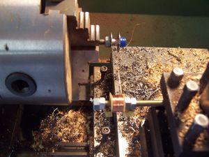 Débobinage au tour de la bobine du relai-copie-1