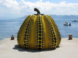 Dotted-Pumpkin-by-Yayoi-Kusama.jpg