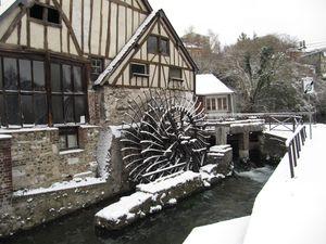moulin sous la neige jan 2010 018