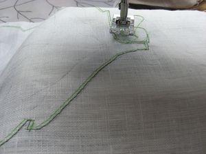 sets-de-table-lin-blanc-imprime-feuilles-001.jpg