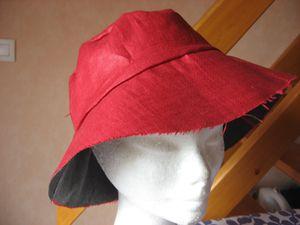 capeline-d-ete-en-lin-rouge-006.jpg