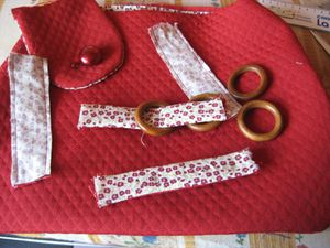 sac-rouge-tissu-ameublement-et-liberty-003.jpg