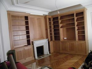 d coration d une pi ce optez pour une biblioth que murale en bois naturel atelier de l. Black Bedroom Furniture Sets. Home Design Ideas