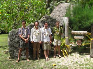 Rurutu-2008-Team--DH-.jpg
