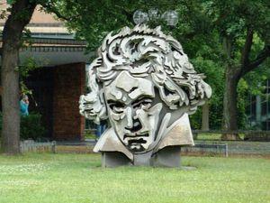200-Statue de Beethoven