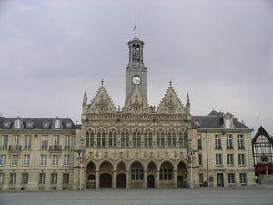 023-hotel de ville saint quentin