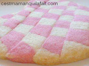 faire des bicuits damiers biscuits vichy rose maki-copie-2