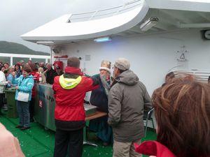 2013 07 08 b sur le NORD CAP cérémonie du passage de la l
