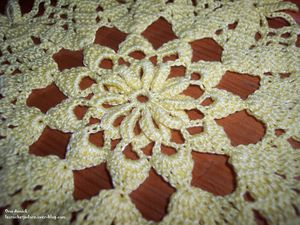 epis-relief-napperon-crochet