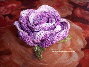 rose-mauve-crochet-decoration-table-communion.jpg