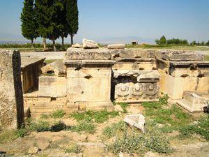 Hierapolis--23--Necropole.JPG