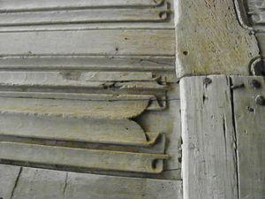 porte à restaurer détail sculpture 2