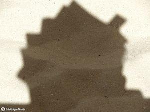 2013-08-14-maison-ombres-livres.jpg