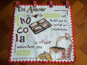 LLP-Chocolat.-Toile-aida-pailletee-blanche--1600x1200-.JPG