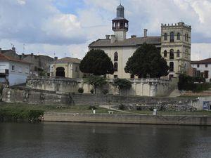Castelmoron-sur-Lot--1-.jpg