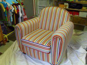 Fauteuil club rayures le blog de tiphaine creations for Housse pour fauteuil club