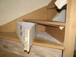 tiroir sous marche escalier en carton kakinou cr ation. Black Bedroom Furniture Sets. Home Design Ideas