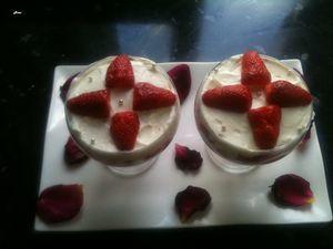 Verrines aux fraises, à la crème mascarpone 1. (Atable !!