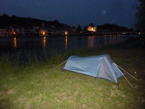 JiPi-tente by night