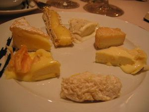080905 pyramide fromage assiette 1 1 t tres petite