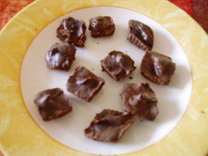 Chocolats-noir-au-cafe.JPG
