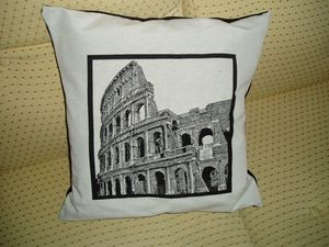 Coussin-Rome-Colisee.JPG