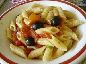 Penne peperoncino olive