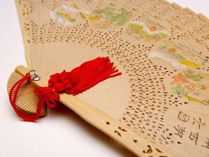 xeventail-chinois-en-bois_1235310258.jpg.pagespeed.ic.MB6lP.jpg