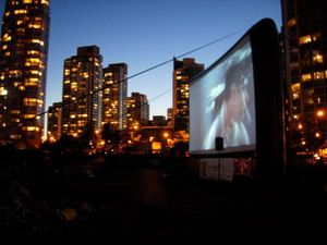 Free-outdoor-movie.jpg