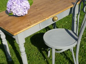 table-bureau-et-chaise-shabby.jpg