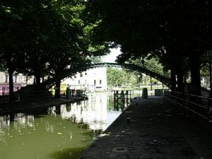 Canal-St-Martin-ecluse-des-Recollets-DSCN1891.jpg