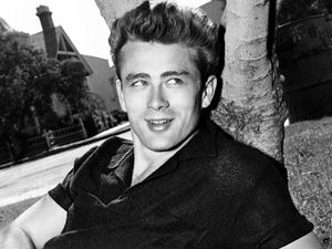 james-dean-sourire.jpeg