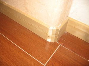 Plinthes sur mur non droit le blog de mona et benot for Plinthe renovation