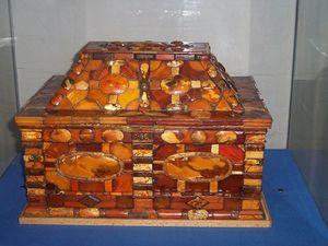 800px-Bursztynowa szkatula