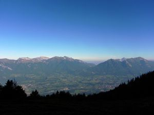 2 Vue sur la vallée depuis l' Ebaudiaz à 8h30