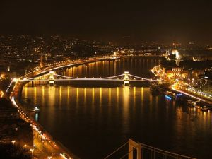budapest_chain-bridge_night.jpg