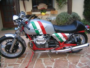 RE-RESTAURATION DU 1000 GUZZI 002