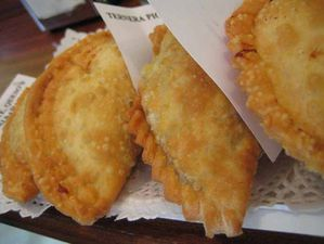 673x6731253567327_empanadas.jpg