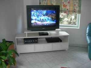 001 meuble TV chantilly