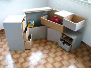 Coffre jouets vhs luminaires en carton - Coffre a jouet en bois ikea ...